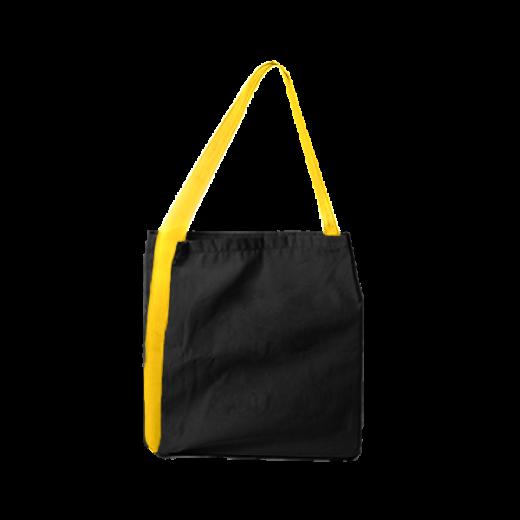 czarna torba z taśmą żółtą